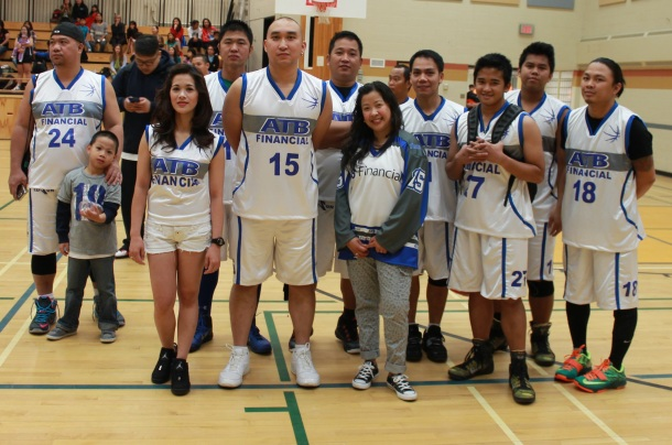 Host team ATB Financial-Edson with personal banking specialist Terry Yu(5th from right).(pinoy edmonton news)