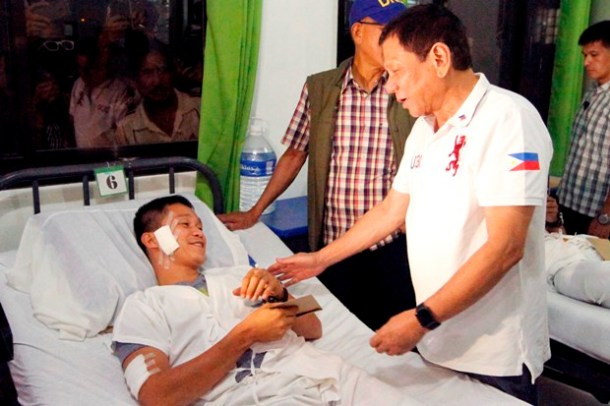 the president visited the wounded soldiers at wesmincom hospital