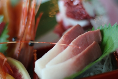 Katakam takam na sushi sa Takami Sushi, tawag na sa 587-523-4695.(p.e.n.)