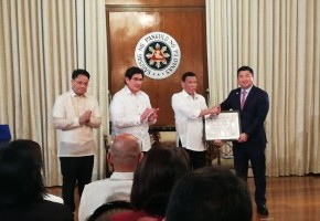 President Duterte hands Mislatel Consortium permit to operate as 3rd telco