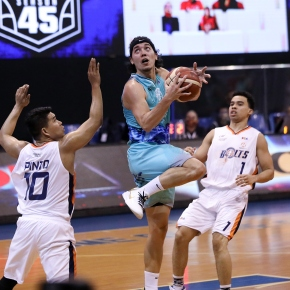 Phoenix pummels Meralco to opencampaign
